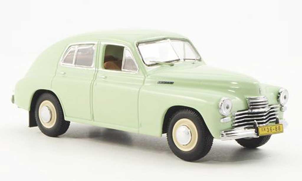 Gaz M20 1/43 IST Models Pobieda Limosine verte 1949 miniature