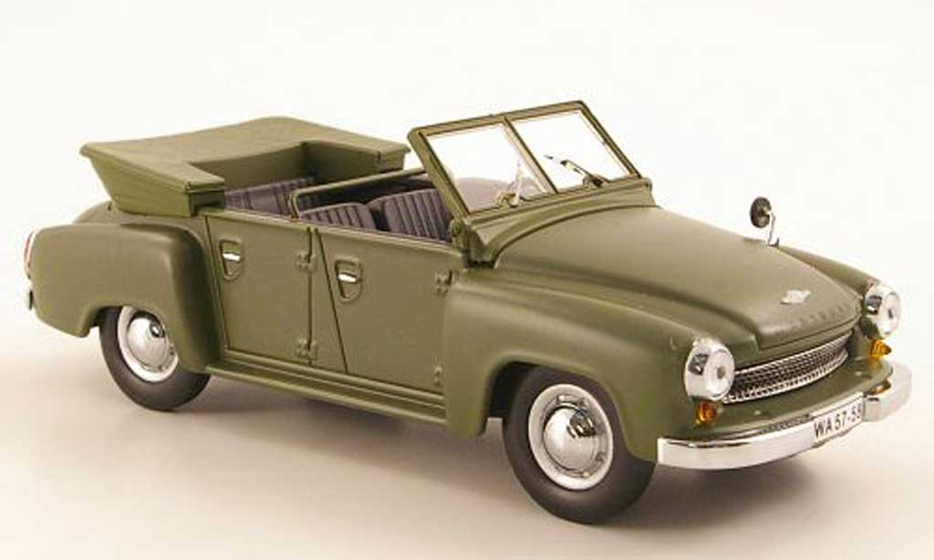 Wartburg 311 1/43 IST Models 4 Kubel mattgrun 1957 miniature