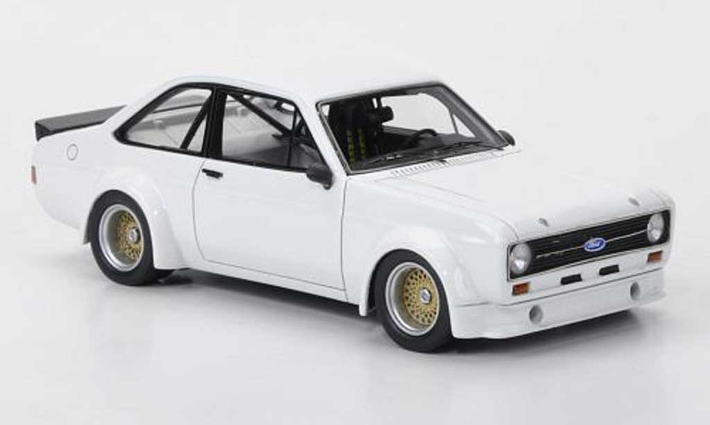 Ford Escort MK2 1/43 Neo  Gr.2 blanche limited edition 1976 miniature