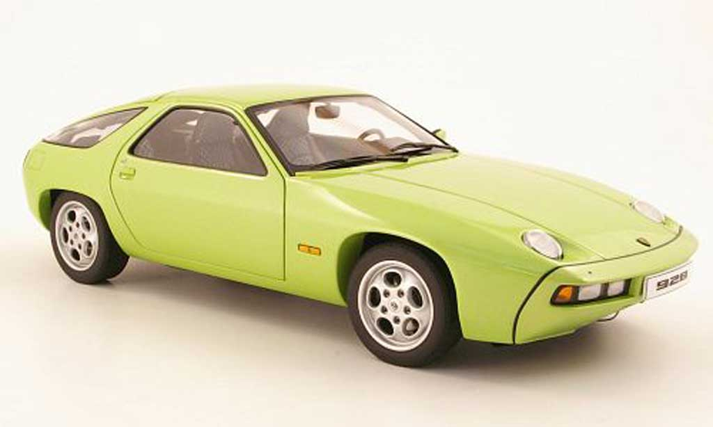 Porsche 928 1977 1/18 Autoart verde miniatura