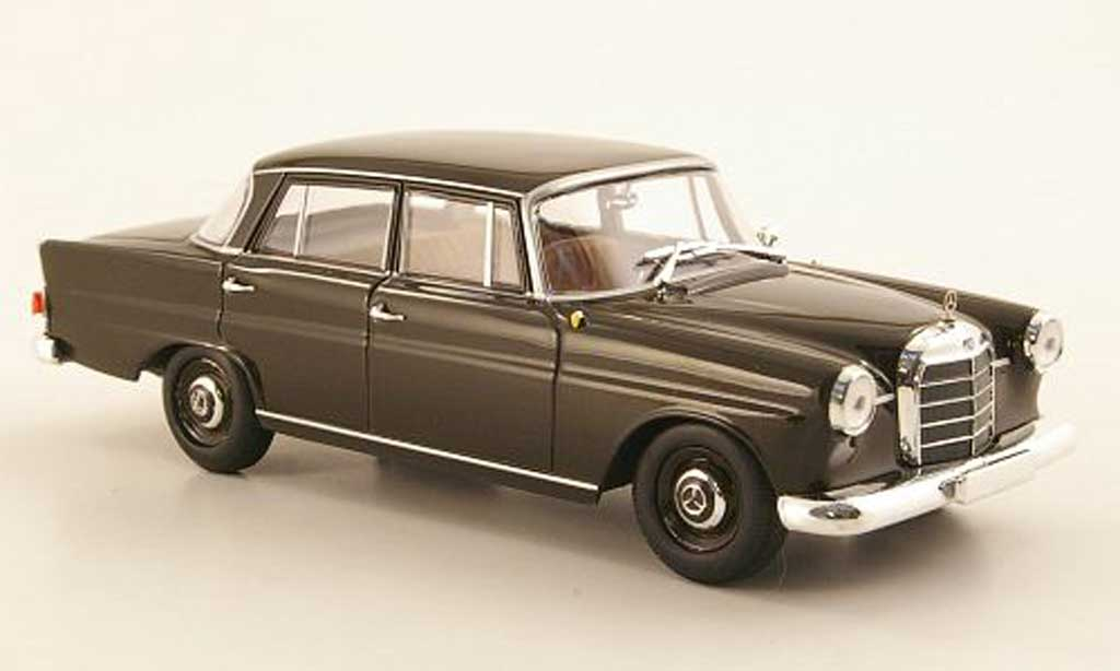 Mercedes 190 1/43 Minichamps (W110) marron 1961 miniature