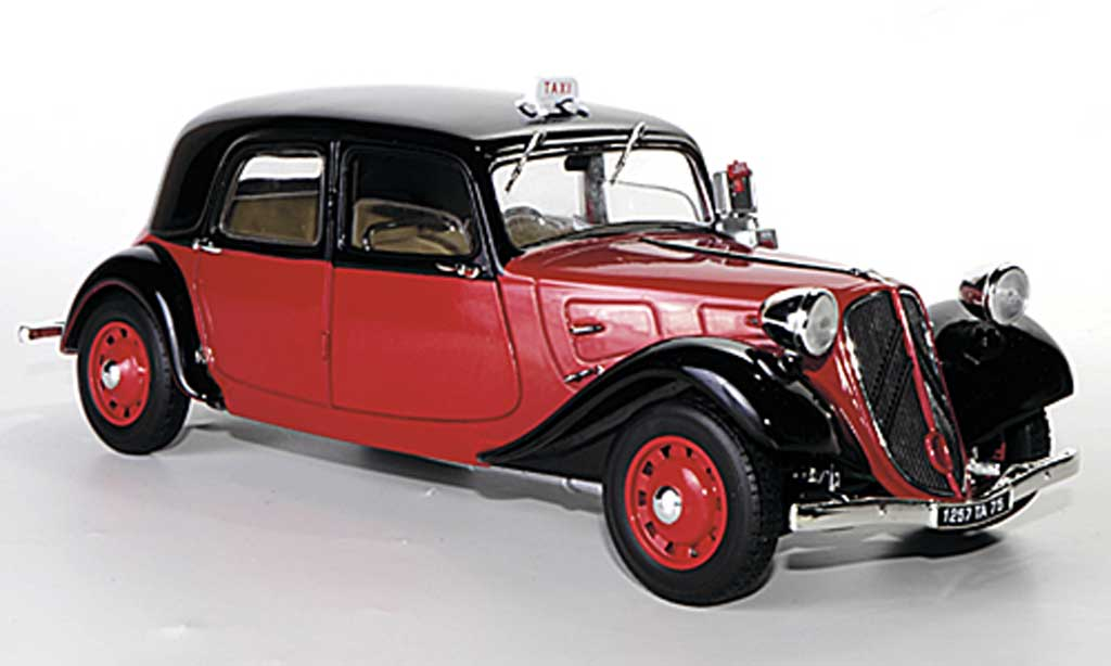 Citroen Traction 11 1/18 Solido B Taxi rouge/noire 1938 miniature