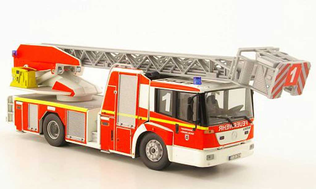Mercedes Econic 1/43 Wiking DL 32 Metz pompier Dusseldorf miniature