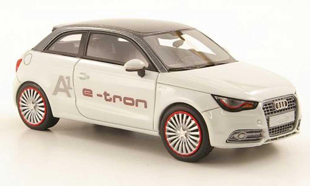 Audi A1 1/43 Look Smart e-tron blanche/grise 2011 miniature