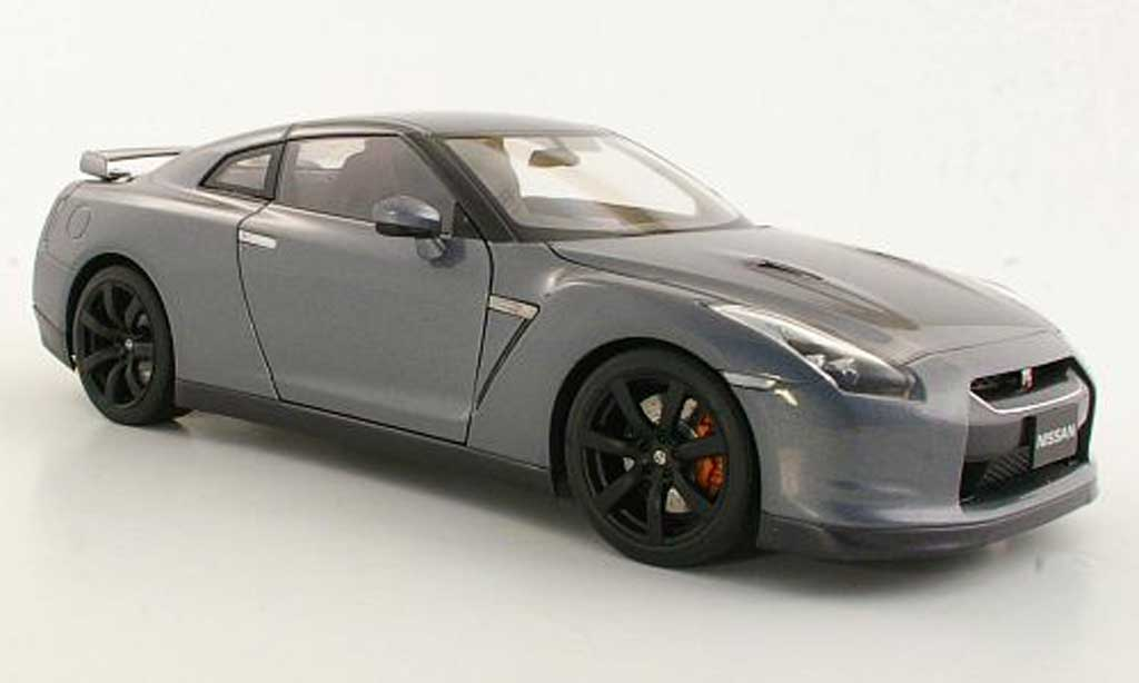 Nissan Skyline R35 1/18 Autoart GT-R  grigio miniatura