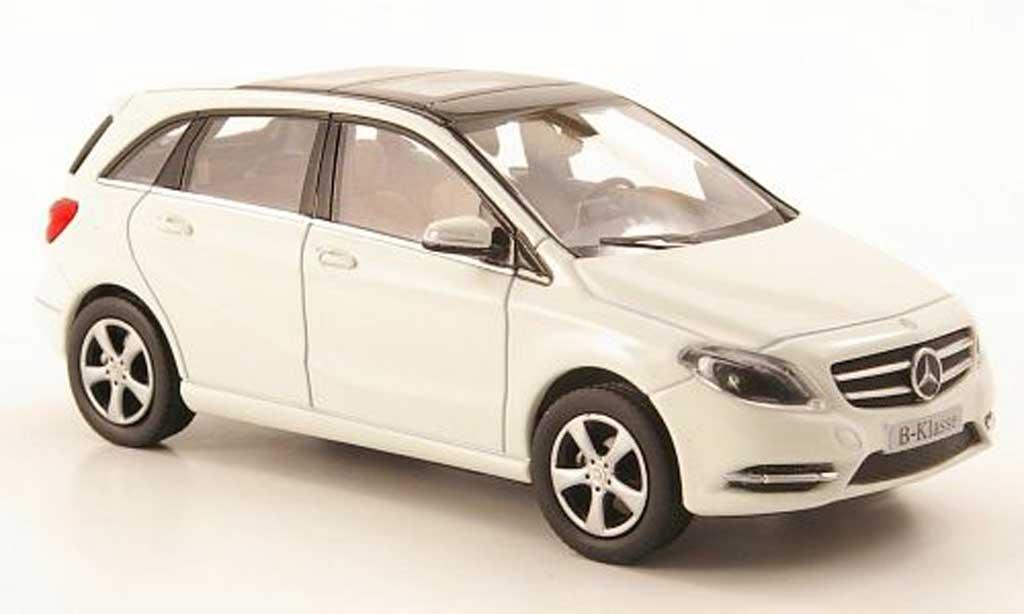 Mercedes Classe B 1/43 Norev (W246) blanche 2011 miniature