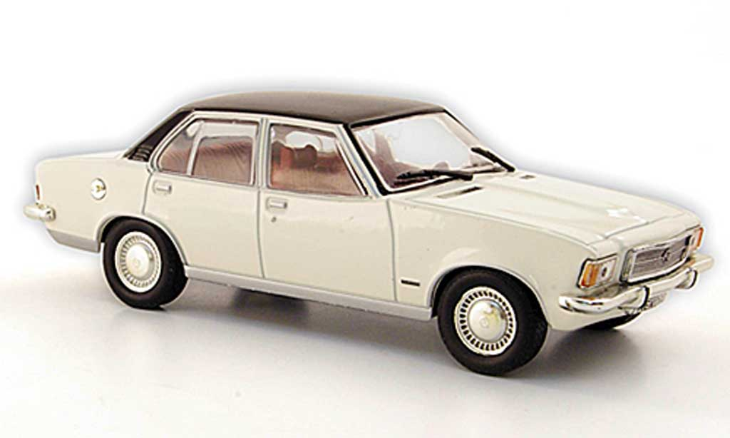 Opel Rekord 1/43 Hachette D 2100 Diesel blanche/noire (ohne Magazin) 1973 miniature