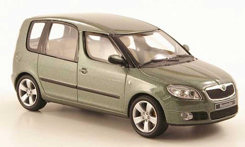 Skoda Roomster 1/43 Abrex oliv 2006 miniature