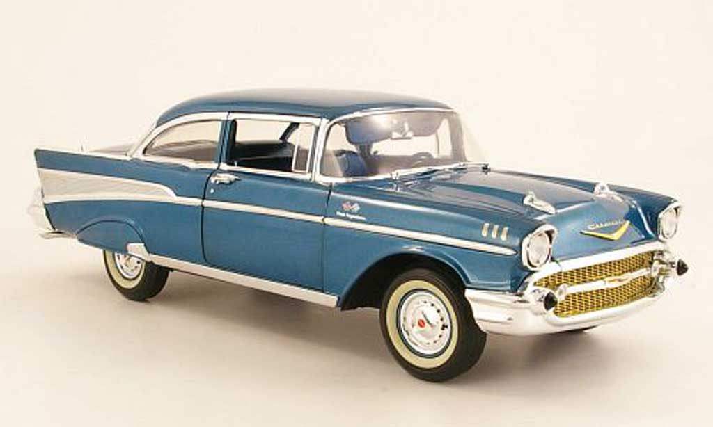 Chevrolet Bel Air 1957 1/18 Highway 61 Bel Air bleu miniature