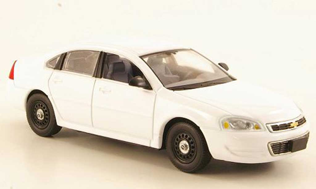 Chevrolet Impala 2011 1/43 First Response blanche ''Police Package 9C1'' miniature
