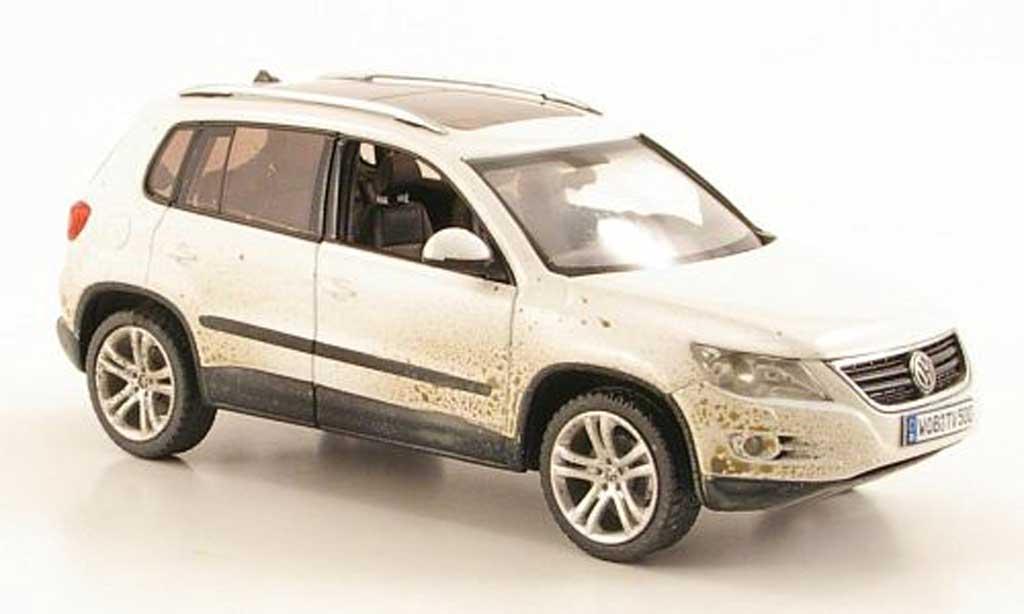 Volkswagen Tiguan 1/43 Schuco blanche avec Schmutzpartikeln 2008