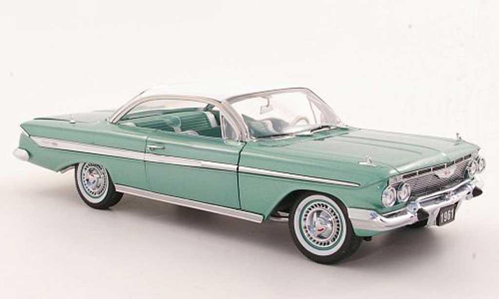 Chevrolet Impala 1961 1/18 Sun Star Sport Coupe grise verte/blanche miniature