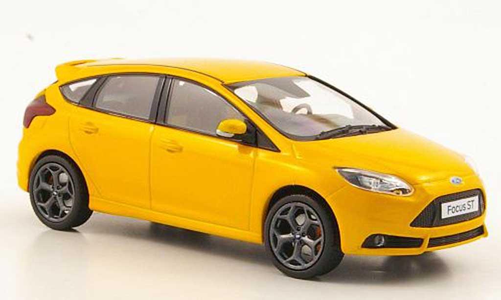 Ford Focus ST 1/43 Minichamps MkIII orange 2011 miniature