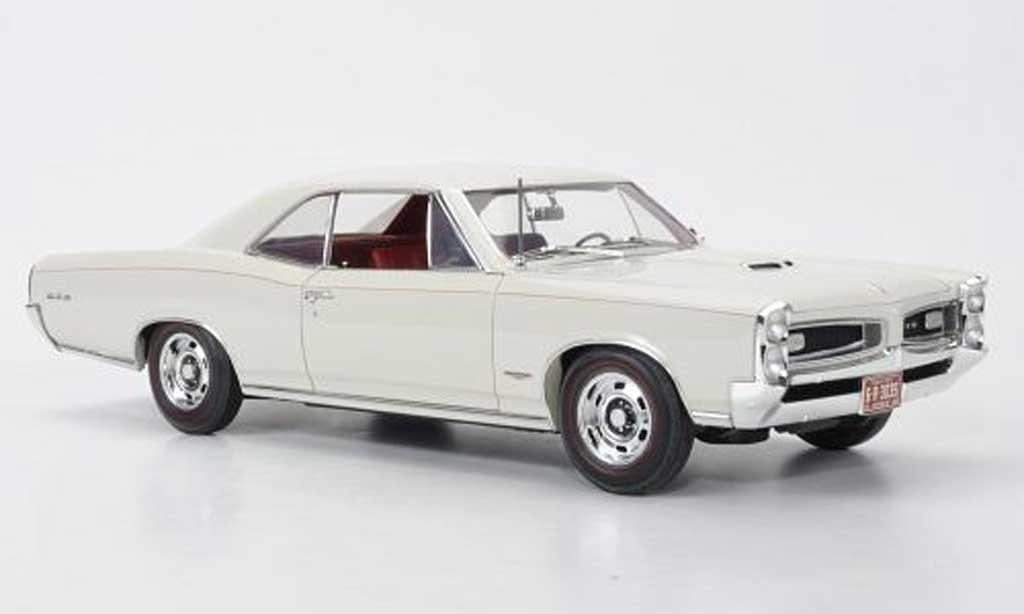 Pontiac GTO 1/18 Highway 61 Hardtop beige 1966 miniature