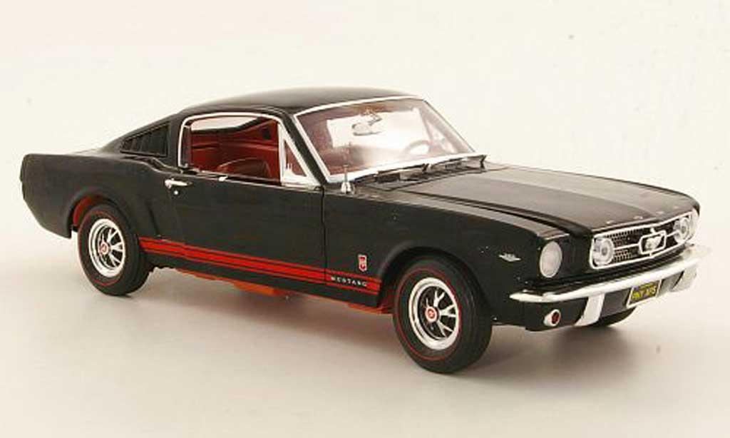 Ford Mustang 1965 1/18 Ertl GT Fastback noire/rouge miniature