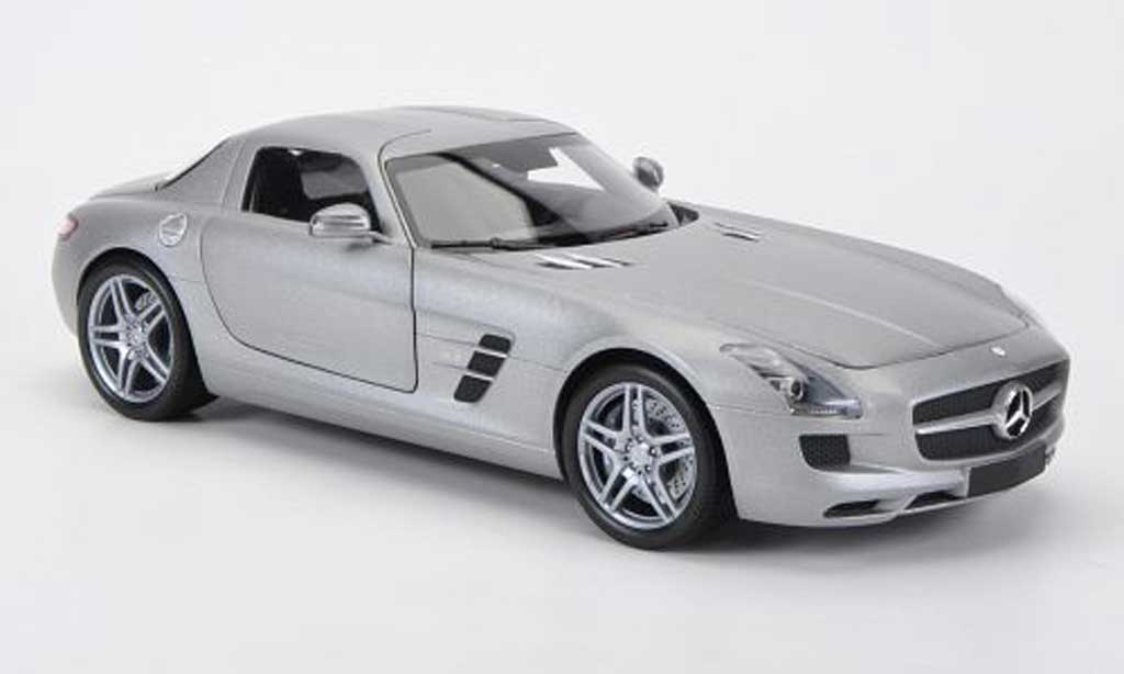 Mercedes SLS 1/18 Minichamps coupe AMG grise 2010 miniature