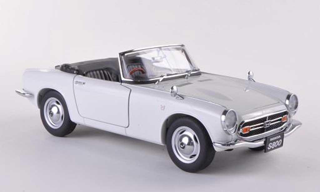 Honda S800 1/18 Autoart Roadster blanche 1966 miniature