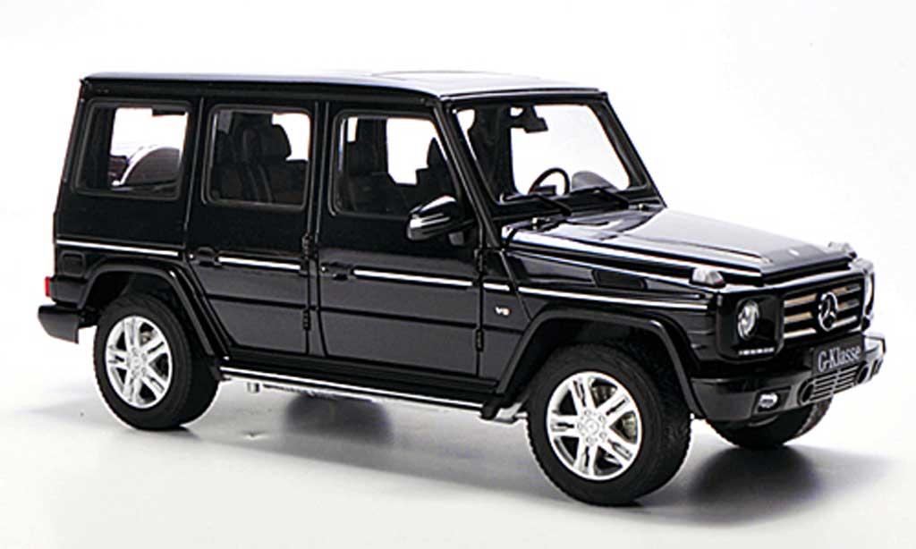 Mercedes Classe G 1/18 Autoart G500 noire 2012 miniature