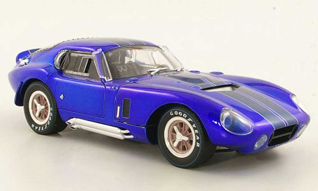 Shelby Cobra Daytona 1/18 Shelby Collectibles Daytona Coupebleu/bleu 1965 miniature