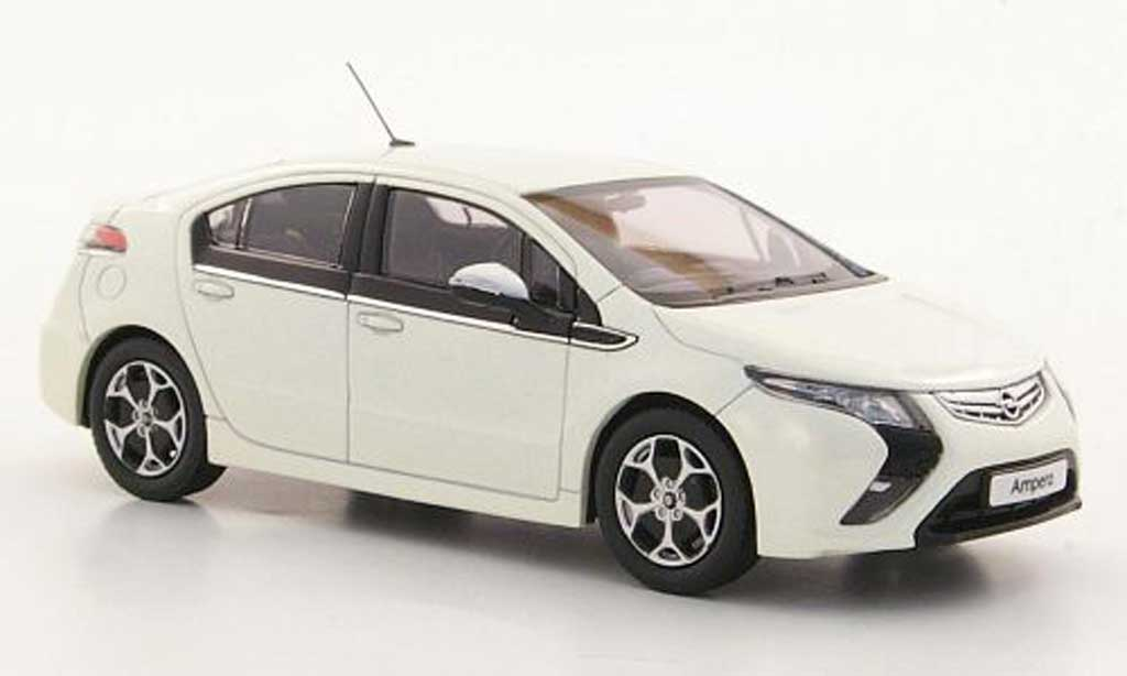 Opel Ampera 1/43 MotorArt blanche 2011