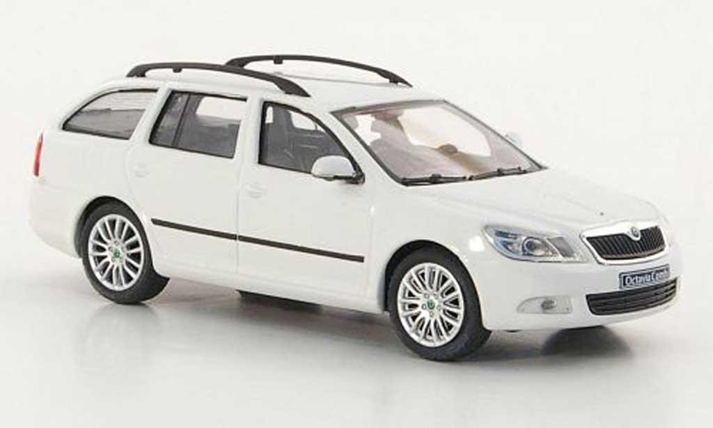 Skoda Octavia Combi 1/43 Abrex blanche 2008 miniature