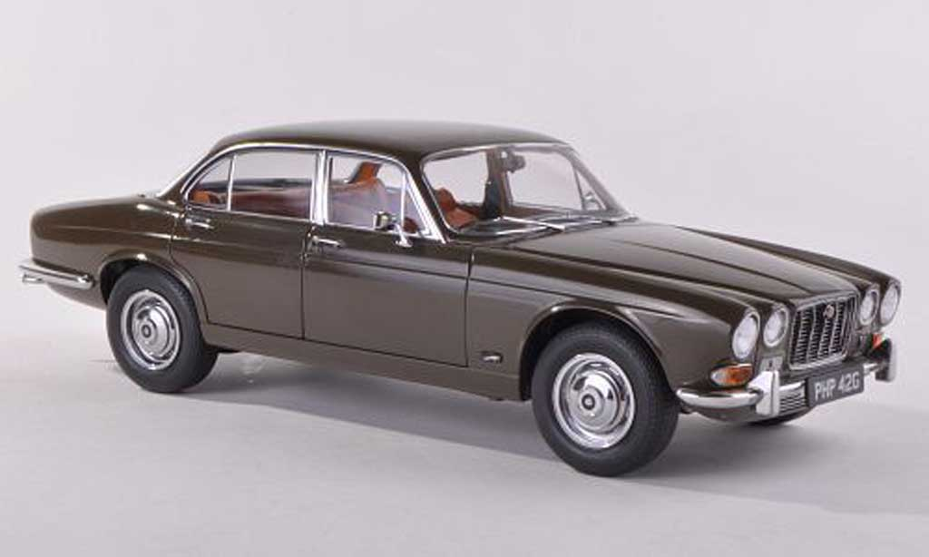 Jaguar XJ 6 1/43 Paragon Series 1 4.2 noire-brun Sir William Lyons' Personal Car RHD 198 miniature