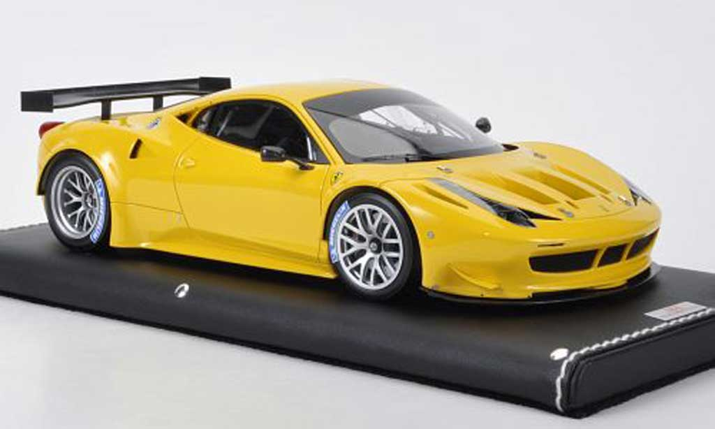 Ferrari 458 Italia GT2 1/18 MR Collection jaune miniature