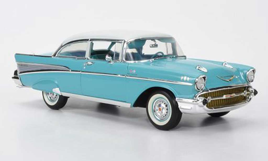 Chevrolet Bel Air 1957 1/18 Highway 61 Sedan grise 2-portes miniature