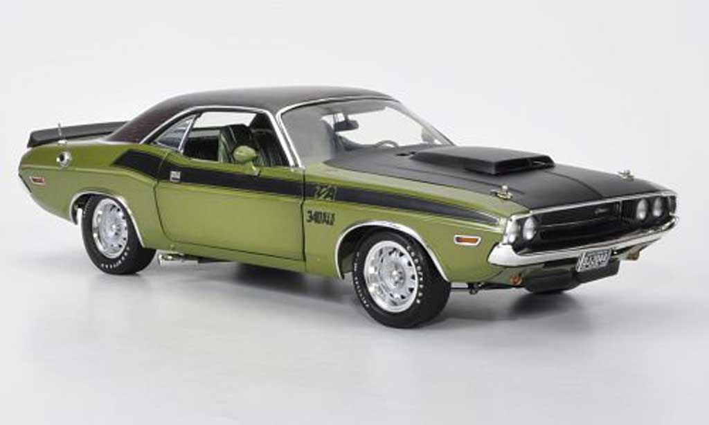 Dodge Challenger 1970 1/18 Highway 61 T/A grun/matt black/Krododillederoptik diecast model cars