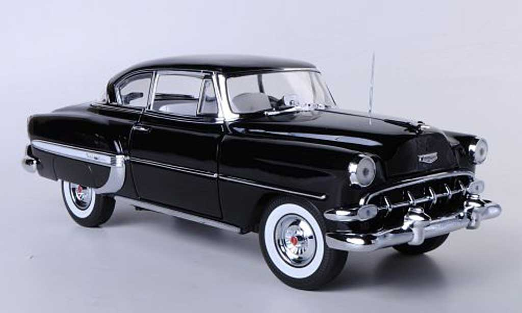Chevrolet Bel Air 1954 1/18 Sun Star Hardtop Coupe noire miniature
