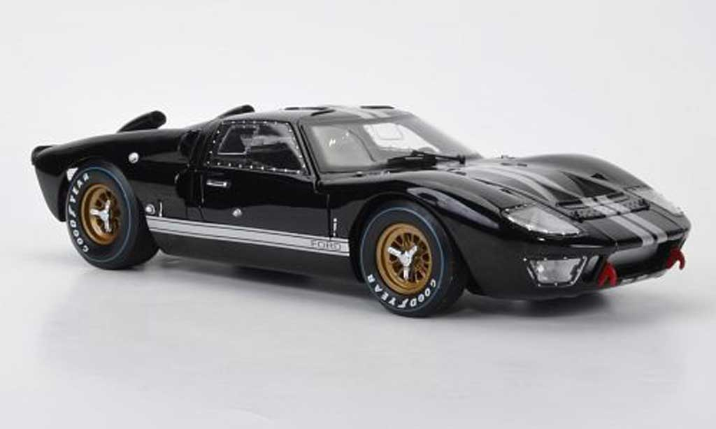 Ford GT 40 1/18 Shelby Collectibles MkII noire/grise metallisee 1966 miniature
