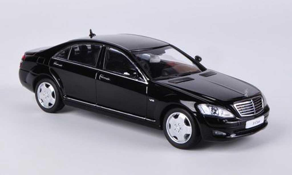 Mercedes Classe S 1/43 Kyosho Langversion (V221) black diecast model cars