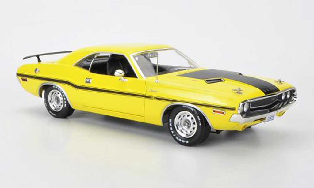 Dodge Challenger 1970 1/18 Greenlight R/T jaune/mattnoire 1970 NCIS miniature