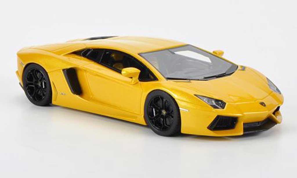 Lamborghini Aventador LP700-4 1/43 Fujimi jaune miniature