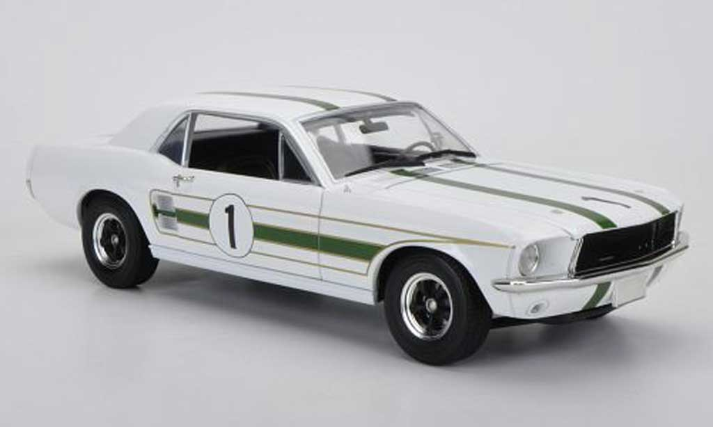 Ford Mustang 1969 1/18 Greenlight No.1 Ian ''Pete'' Geoghegan miniature