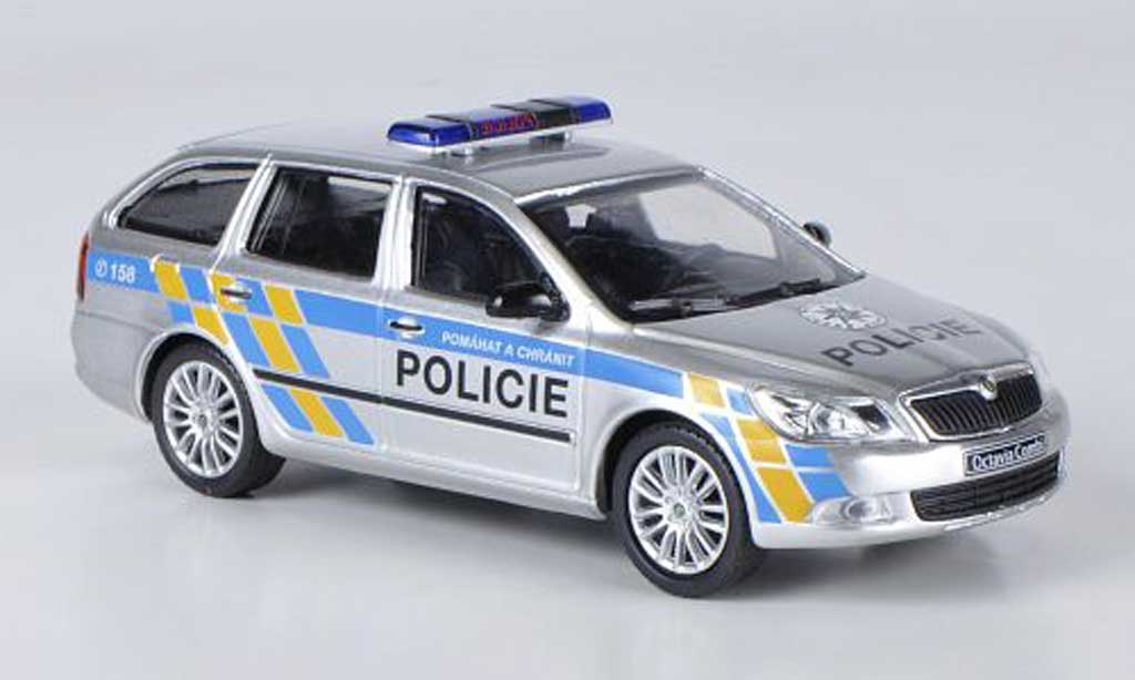 Skoda Octavia Combi 1/43 Abrex Polizei Tschechien miniature