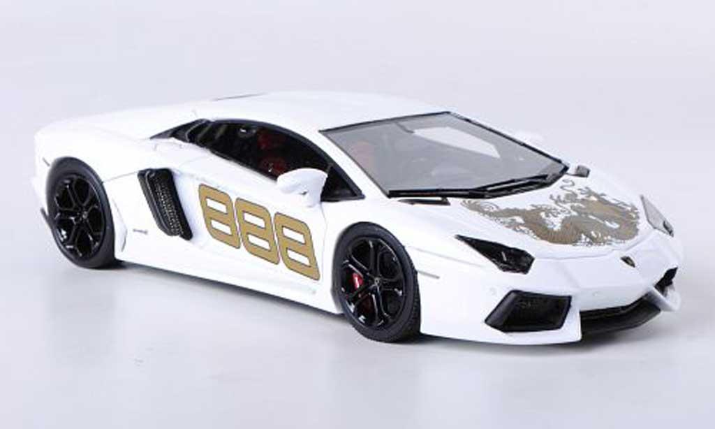 Lamborghini Aventador LP700-4 1/43 Look Smart No.888 white mit Drachen-Dekor diecast