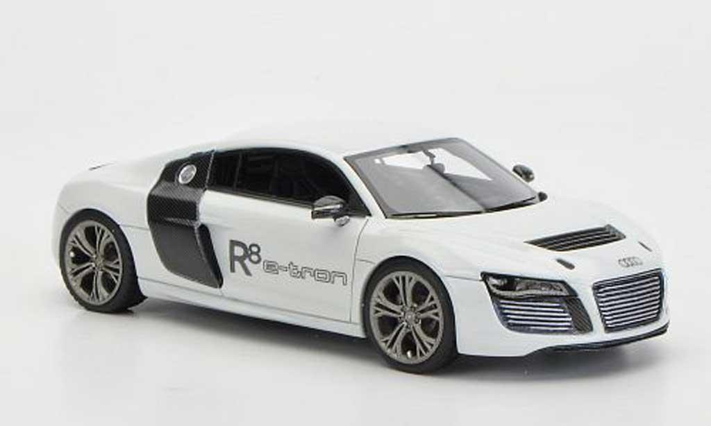 Audi R8 e-tron 1/43 Look Smart Concept white/carbonoptik diecast