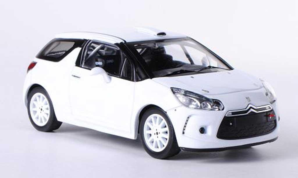 DS Automobiles DS3 R3 1/43 IXO blanche Plain Body Version 2010 miniature