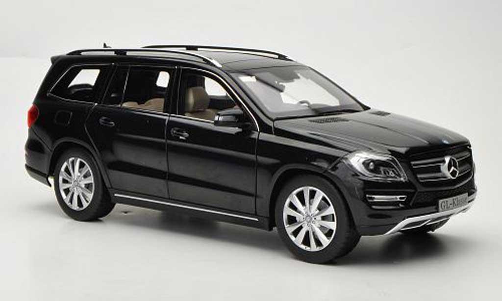 Mercedes Classe GLK 1/18 Norev noire 2012 miniature