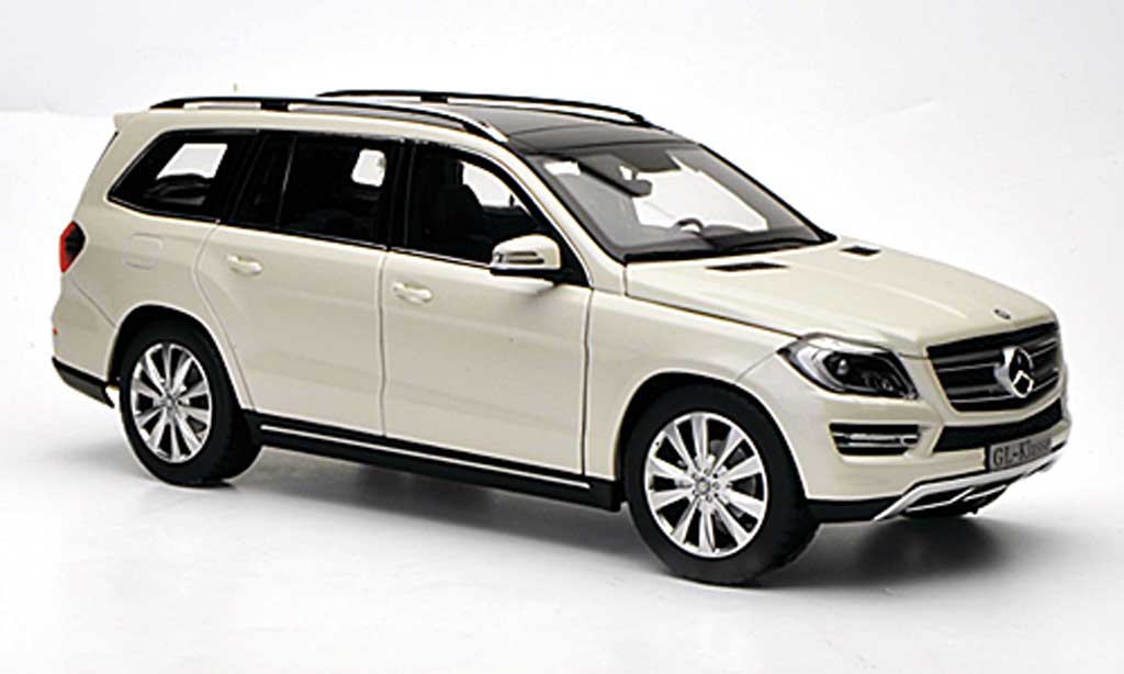 Mercedes Classe GLK 1/18 Norev blanche 2012 miniature