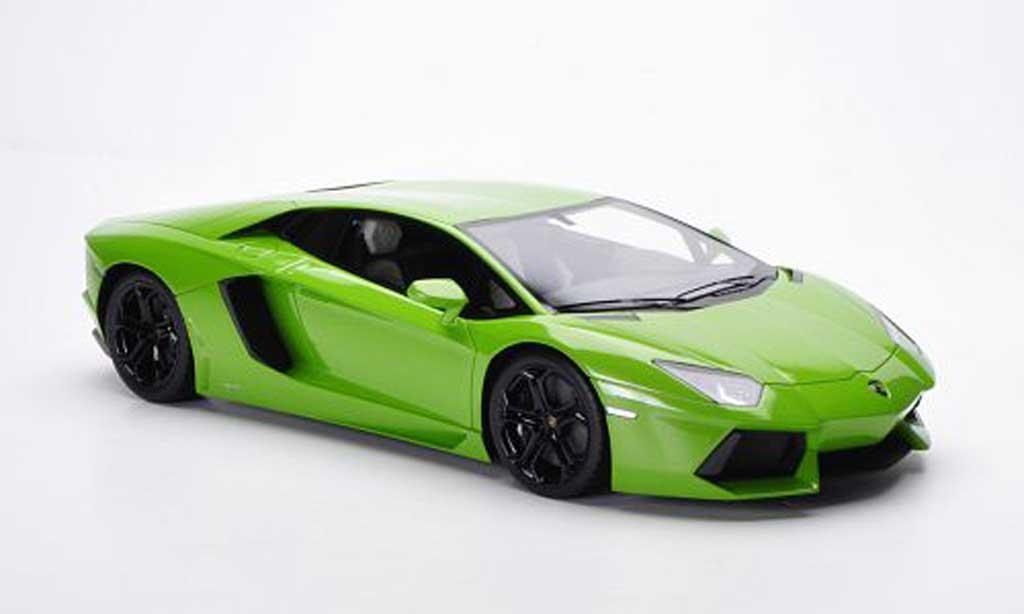 Lamborghini Aventador LP700-4 1/18 FrontiArt green 2011 diecast