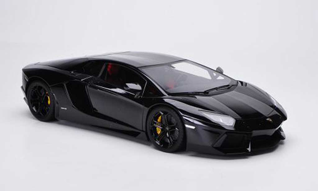 Lamborghini Aventador LP700-4 1/18 FrontiArt noire 2011 miniature