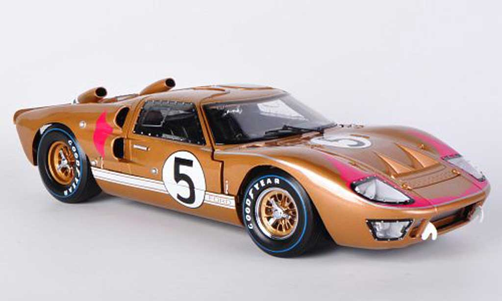 Ford GT 40 1/18 Shelby Collectibles MkII No.5 Team Holman/Moody R.Bucknum / D.Hutcherson 1966 miniature