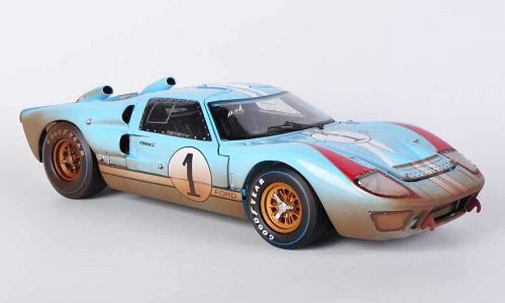 Ford GT 40 1/18 Shelby Collectibles MkII No.1 Team Shelby American K.Miles / D.Hulme 1966 miniature