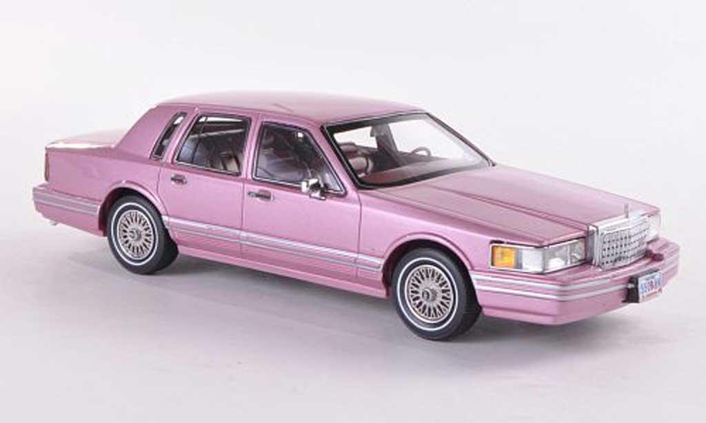 Lincoln Town Car 1990 1/43 American Excellence 1990 flieder limitierte Auflage 300 Stuck 1990 miniature