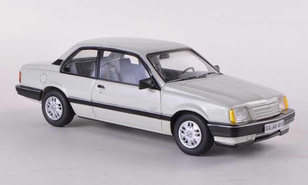 Opel Ascona C 1/43 Neo GT 2-Turer blanche 1986 miniature
