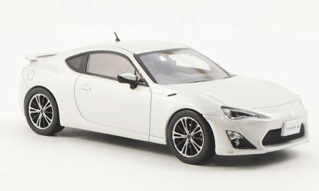 Toyota 86 2012 1/43 J Collection GT Limited blanche miniature