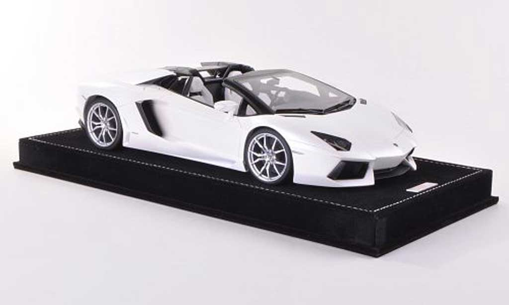 Lamborghini Aventador LP700-4 1/18 MR Collection Roadster mattwhite  diecast
