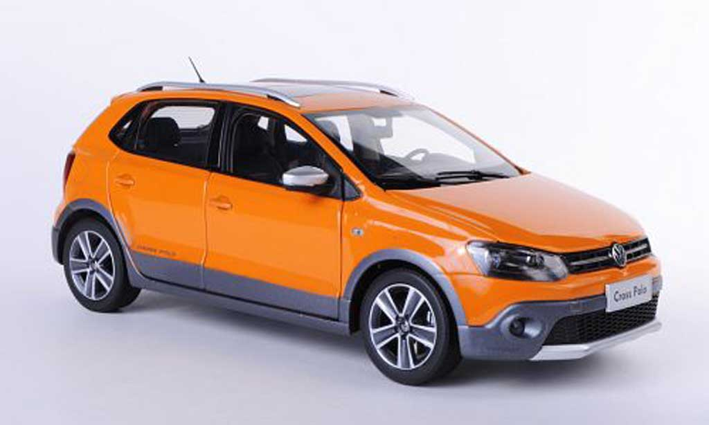Volkswagen Polo Cross 1/18 Paudi V orange Asien-Version 2012 diecast